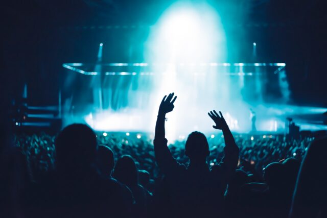 Benefits of Hosting a Virtual Concert